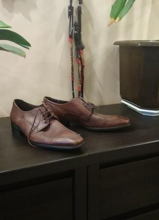 Брендовые кожаные туфли ( натуральная кожа)