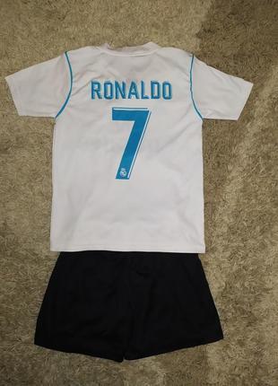 Футбольная форма4 фото