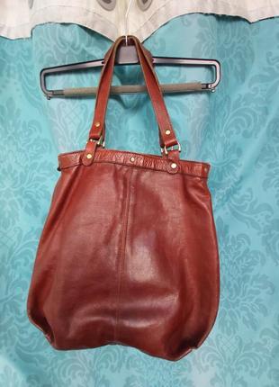 Кожаная,итальянская сумка   плотная кожанная   140 гр