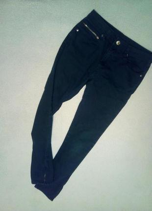 Модные джинсы с молниями на подростка 11/12 л