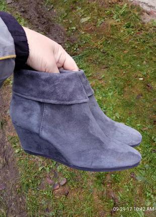 Ботинки 36 розмір бренд minelli