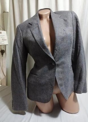 Стильный шерстяной пиджак