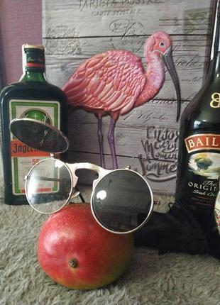 Эксклюзивные очки с откидными линзами
