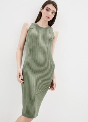 Трикотажное платье без рукава