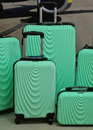 Хит продаж. чемодан wings  304 мята . poland
