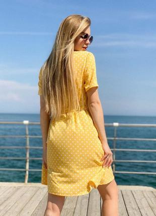 Женское платье в горох с поясом3 фото