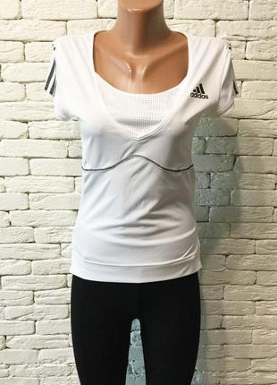 Фирменная спортивная футболка adidas/ оригинал