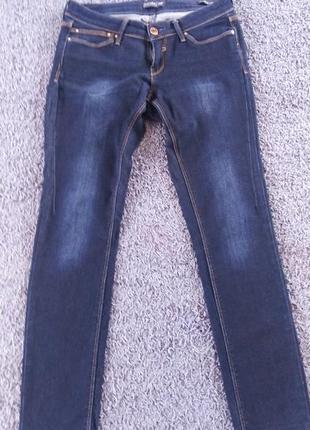 Женские джинсы colins