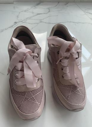 Кроссовки детские для девочки пудрово-розовые с перламутровым отливом 34р