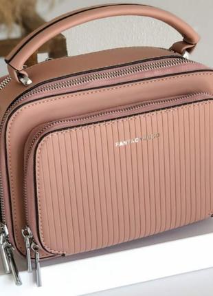Практичная прямоугольная сумочка1 фото