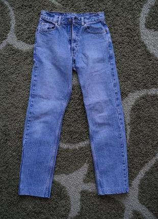 Поделиться:  джинсы levi's