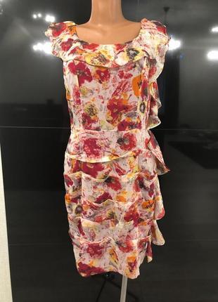 Яркое шифоновое платье от tameril