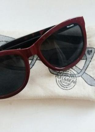 Бордовые солнцезащитные очки