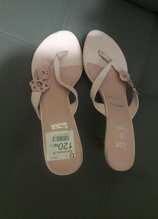 Босоножки розовые шлепки