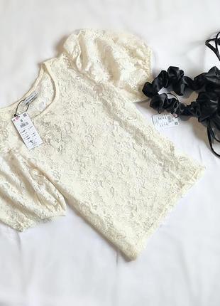 Трендовая молочная кружевная блуза
