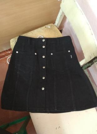 Юбка черная с карманами