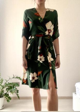 Платье зелёное monteau  с крупным принятом в виде цветов