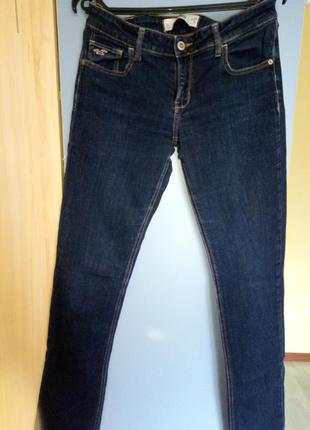 Узкие джинсы hollister