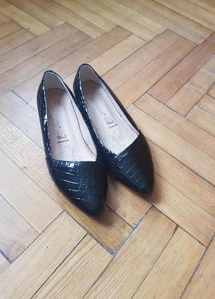 Туфли, балетки лакерованные