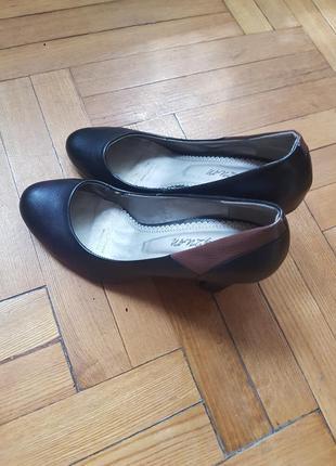 Туфли каблук.2 фото