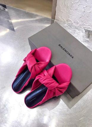 Фирменные женские кожаные шлепанцы тапочки