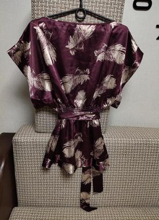 Шикарная атласная  блуза с поясом