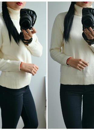 Молочный свитер с натурального материала