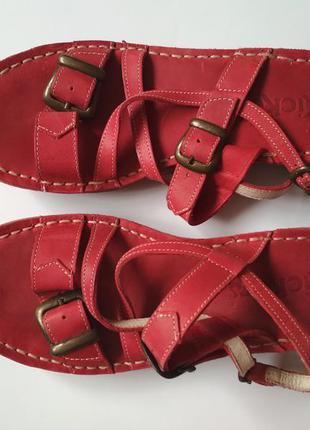 Кожаные босоножки kickers(франция)2