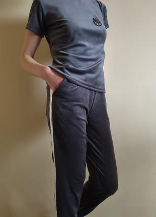 Женский велюровый спортивный костюм moncler