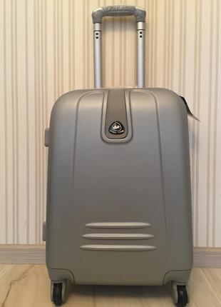 Хит 2017 шикарный чемодан! есть самовывоз!