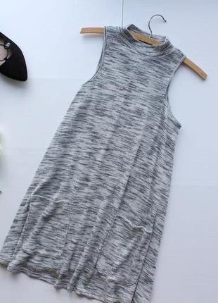 Стильное меланжевое платье а-силуэта с карманами