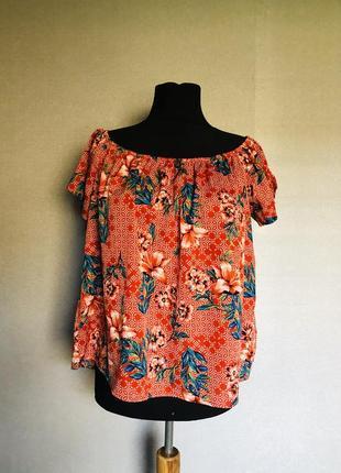 Яркая блуза в цветочный принт батал
