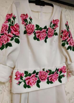 Шикарна сукня вишита бісером вишиванка плаття платье вышиванка вышитая бисером