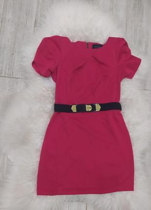 Червоне елегантне плаття