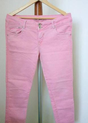 Нежно розовые джинсы zara