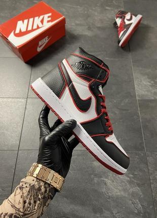 Женские кроссовки nike air jordan 1 black red