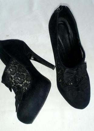 Шикарные ботыльйоны,ботинки,полуботинкипод замш на среднем каблуке,размер 37