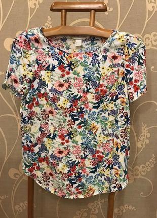 Нереально красивая и стильная брендовая блузка в цветах..100% вискоза 20.