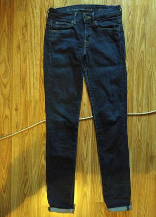 Модные стильные джинсы levis
