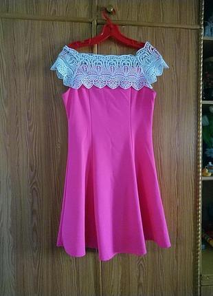 Яркое шикарное платье