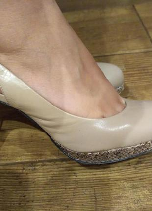 Туфли нюдового/бежевого цвета carlo pazolini original