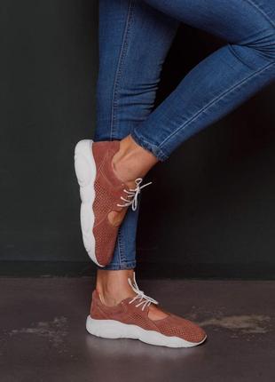 Мягкие лёгкие  кроссовки из натуральной замши