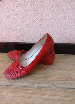 Красивые туфли балетки tamaris -натуральная кожа