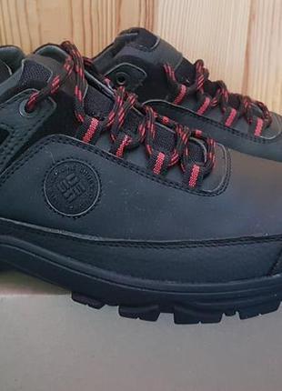 Мужские кожаные кроссовки черные