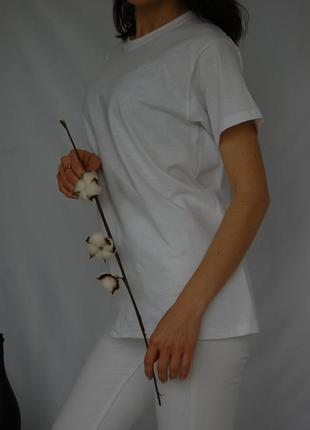 Базовая белая однотонная оверсайз футболка5 фото
