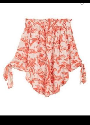Красивая нежная актуальная блуза на плечи с завязками
