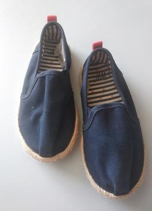 Взуття дитяче ,макасіни, еспадрильї