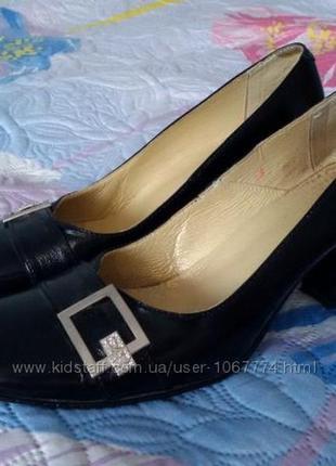 Туфли кожанные 39 размер