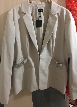 Шикарный фирменный пиджак altre франция