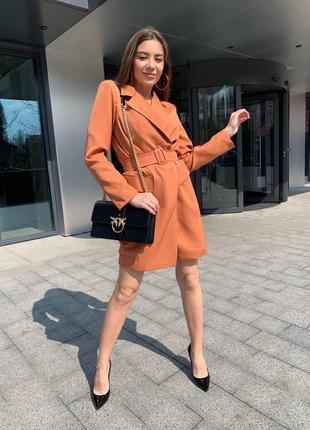 Женское платье пиджак с поясом